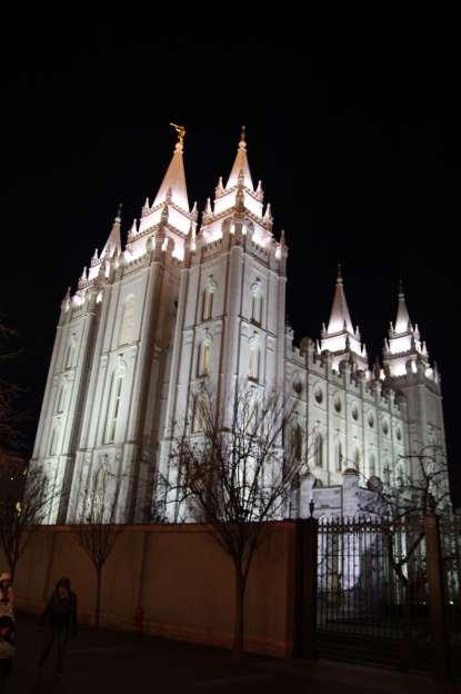 slc-temple-night